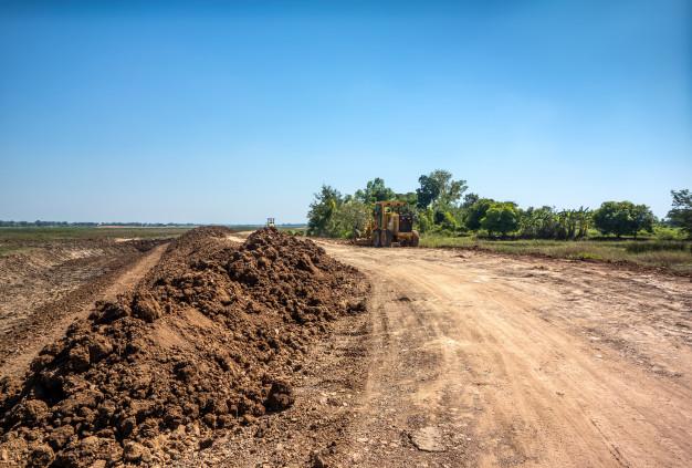 Solicite orçamento para o serviço de limpeza de terrenos